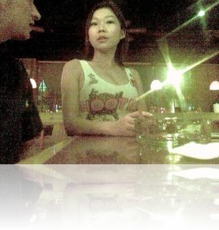 Shanghai Hooters girl